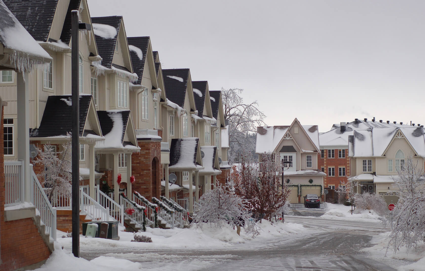 Townhouses RTD Ice Dam Removal